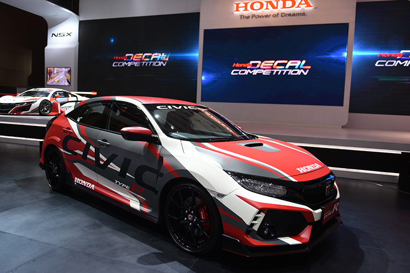 Tampang Honda Civic Type R Hasil Desain Pemenang Honda Decal Competition