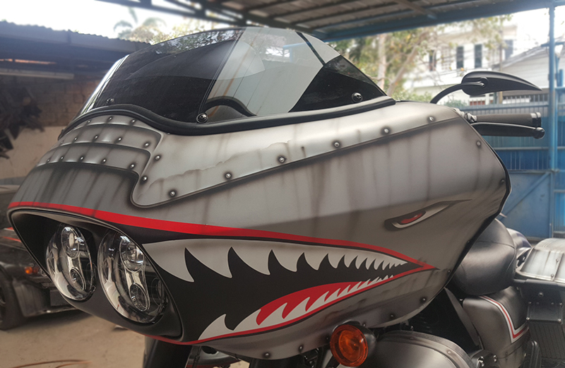 Harley-Davidson Road Glide Modifikasi Tiger Shark
