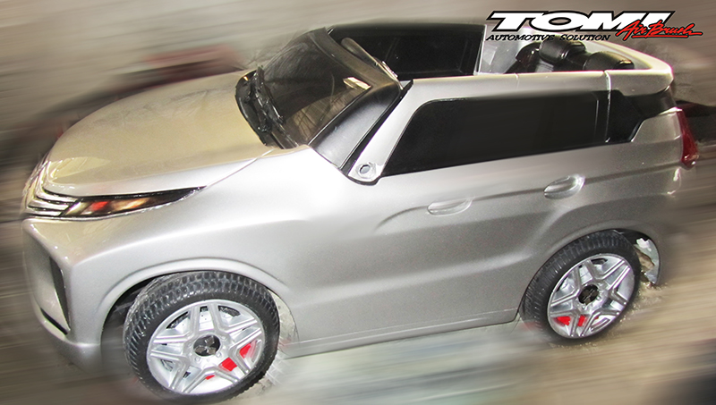 Miniatur Mitsubishi Xpander Buatan Tomi Airbrush