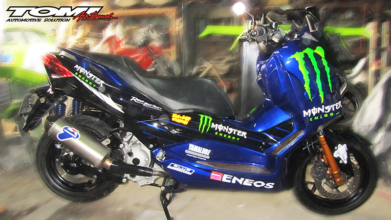 Yamaha XMax Monster Energy