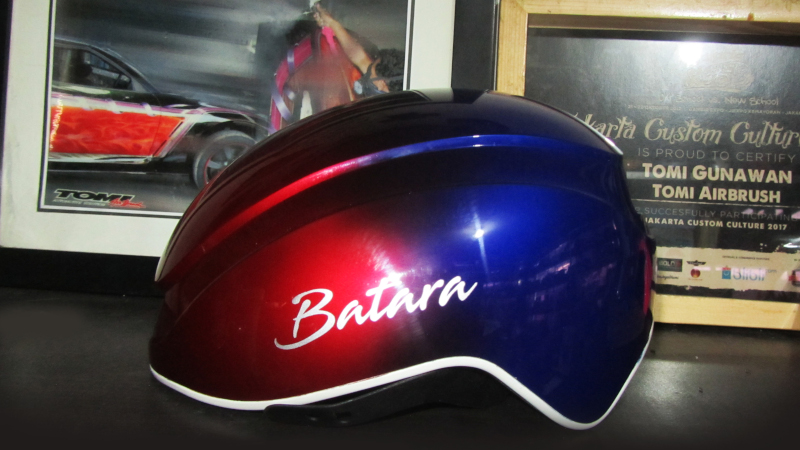 Modifikasi Helm Senada Warna Bromptom Nine Streets Edition