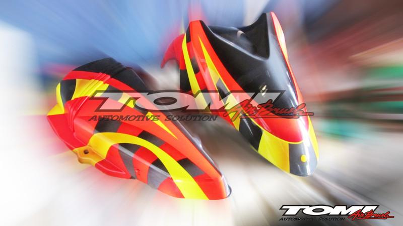 Spakbor Yamaha RX King modifikasi airbrush Jerman.