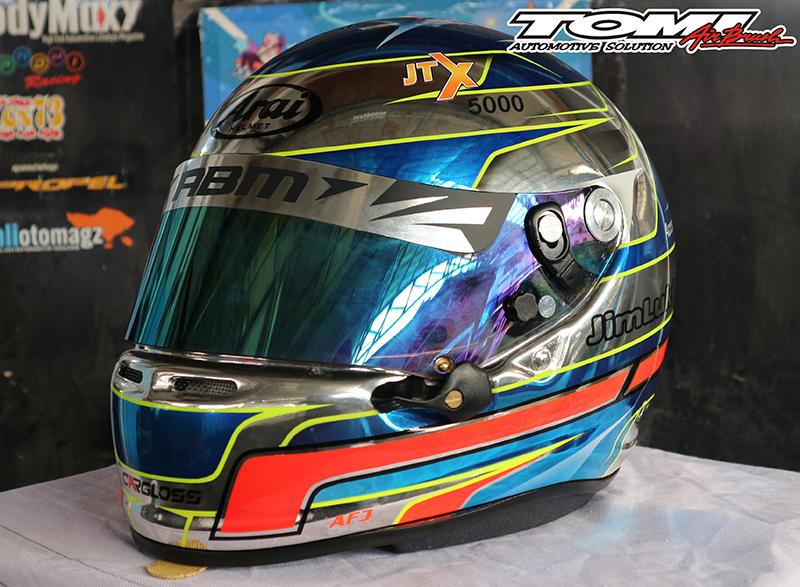 Helm Spesial untuk Jimmy Lukita