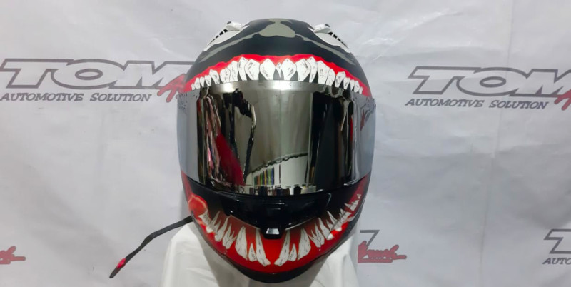 Modifikasi Helm Airbrush Konsep Alien