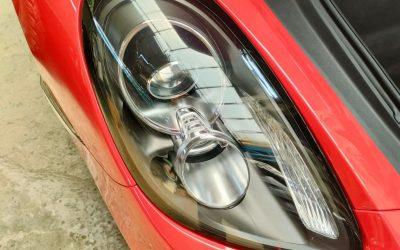 Tomi Airbrush Sanggup Bereskan Lampu Sportcar yang Buram